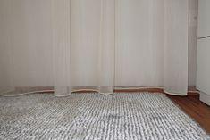"Dokonalé závěsy a záclony versus ""hadr na okně"" — Ambience Design Rugs, Home Decor, Design, Farmhouse Rugs, Decoration Home, Room Decor, Home Interior Design, Rug"