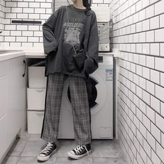 Wide on wide Grunge Outfits, Edgy Outfits, Korean Outfits, Mode Outfits, Cute Casual Outfits, Retro Outfits, Vintage Outfits, Fashion Outfits, Korean Clothes