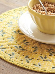 DIY Home Decorating - How to Make Placemats at WomansDay.com - Woman's Day