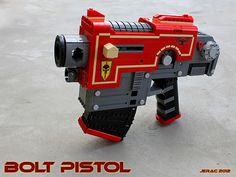 Incredible Warhammer 40k bolt pistol made entirely from Lego!
