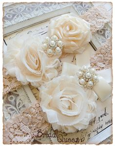 Wedding Garter Bridal Garter Set Vintage Garter by BridalQueen, $22.99 - Pairing the warmth of blush with a winter wedding. - www.viogemini,com