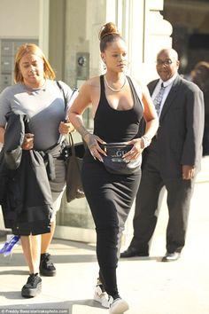 Rihanna Goes Braless Beneath Revealing Tank Dress & Gucci Bum Bag. Moda Rihanna, Rihanna Riri, Rihanna Style, Rihanna Fashion, Star Fashion, Look Fashion, Fashion Ideas, Rihanna Looks, Rihanna Thick