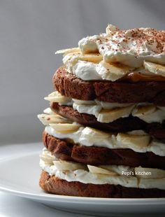 Pepi's kitchen in english: Banoffee Birthday Cake Banoffee, Cake & Co, English Food, Greek Recipes, Party Cakes, Tea Time, Birthday Cake, Sweets, Breakfast