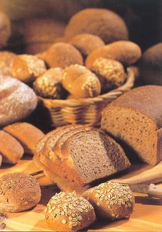 Best bread in the world is from The Netherlands. Kindergarten Themes, Our Daily Bread, Pain, Bakery, Muffin, Rolls, Lunch, Breakfast, Recipes