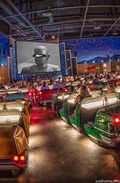 Fine Dining Movie theater Beautiful Dad S Simple Guide to Walt Disney World Restaurants Dine In Theater, Drive In Movie Theater, Home Theater, Theater Rooms, Vintage Diner, Retro Diner, Disney World Restaurants, Walt Disney World, Boutique Interior