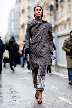 Paris Fashion Week Street Style Fall 2018 Day 3 - The Impression