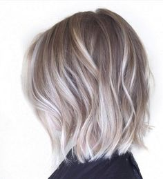 Pretty Everyday Hairstyles for Short Hair - Balayage Bob. Are you looking for hair color blonde balayage and brown for fall winter and summer? See our collection full of hair color blonde balayage and brown and get inspired! Ash Blonde Bob, Blonde Balayage Bob, Hair Color Balayage, Short Balayage, Balayage Highlights, Blonde Color, Dark Brunette, Brunette Hair, Blonde Streaks