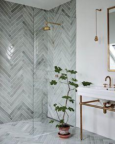 Great Bathroom Decor And Design - Top Style Decor Modern Bathroom Design, Bathroom Interior Design, Home Interior, Bad Inspiration, Bathroom Inspiration, Beautiful Bathrooms, Diy Bedroom Decor, Home Decor, Herringbone Tile