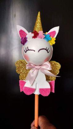Pin by Wendy Nolasco on Pony Unicorn Diys, Unicorn Crafts, Unicorn Party, Unicorn Birthday, Foam Crafts, Diy And Crafts, Felt Gifts, Rainbow Parties, Unicorns And Mermaids