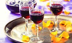 Holunder-Likör Rezept: Ein Likör aus Holundersaft, Apfelsaft und Rum, eine schöne Geschenkidee - Eins von 7.000 leckeren, gelingsicheren Rezepten von Dr. Oetker!