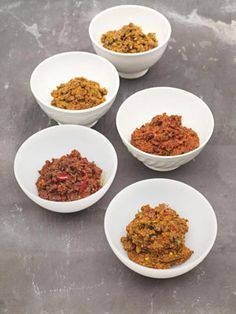 Jamie Oliver Easy Indian Homemade Curry Pastes (Korma, Jalfrezi, Rogan Josh, Tikka Masala and Vindaloo)