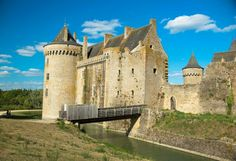 Chateau de #Suscinio #Morbihan #tourisme © Sabine Coe France, Brittany, Mansions, House Styles, Tourism, Manor Houses, Villas, Mansion, Palaces