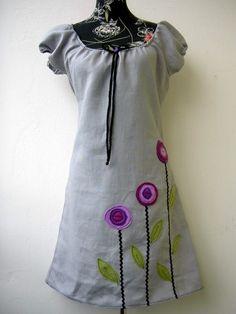 Lila Blumen Kleidchen grau Tunika Kurzarmkleid von Zellmann Fashion auf DaWanda.com