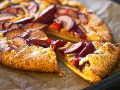 Oi kuinka tykkäänkään galetesta. Se on niin ihanan helppo tehdä ja siinä näkyy ronski ote ja käsityön leima. Ehkä sitä juuri siksi näkee niin harvoin kahviloiden vitriineissä, joissa leivonnaiset p…