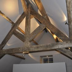 Ambient lighting / Recessed spotlights on exposed beam Bungalow Haus Design, Modern Bungalow House, House Design, Metal Building House Plans, Pole Barn House Plans, Metal Barn Homes, Pole Barn Homes, Recessed Spotlights, Barn Renovation