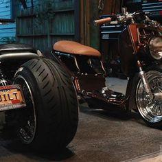 ⠀⠀⠀⠀⠀⠀ ⠀ ⠀⠀⠀⠀ ΛLΞX POOLΞ (@apoole_xxii) • Instagram photos and videos Grom Motorcycle, Custom Moped, Antique Cars, Photo And Video, Antiques, Vehicles, Videos, Photos, Instagram