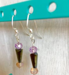 A small and delicate earrings perfect for any by MioCapriccio