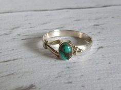 Vintage Sterling Silver Ring with Turquoise and Black Marbled Stone by MuskRoseVintage on Etsy Vintage Turquoise Jewelry, Turquoise Rings, Vintage Jewelry, Turquoise Stone, Antique Jewelry, Silver Chain Necklace, Silver Jewelry, Wedding Rings Vintage, Vintage Rings