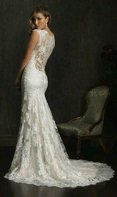 Prachtige trouwjurk van kant op maat bruidsjurk met open rug