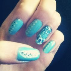 dream catcher and feather nails