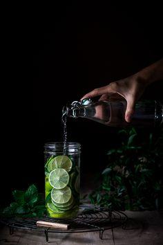 Vitamin C Lebensmittel, wie Orangen stärken das Immunsystem. Finde vegetarische Rezepte für infused water und Informationen über Vitamin D 3, um einen Vitamin Mangel vorzubeugen. Mehr auf http://nutsandblueberries.de/vitamin-c-und-vitamin-d/