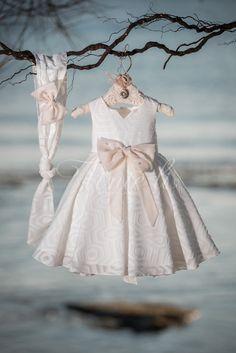 Φόρεμα βάπτισης Vinte Li 2823 με κορδέλα., annassecret, Χειροποιητες μπομπονιερες γαμου, Χειροποιητες μπομπονιερες βαπτισης Baby Girl Dresses, Girl Outfits, Flower Girl Dresses, Winter Outfits, Winter Clothes, Princess, Wedding Dresses, Crochet, Beautiful