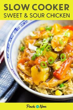 This Slow Cooker Sweet and Sour Chicken tastes so good you'd think it came from the takeaway! #slowcooker #sweetandsour #chicken