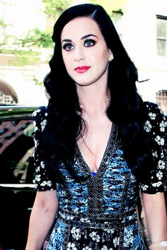 Katy Perry - can anyone really blame me for being obsessed with how her makeup is done?