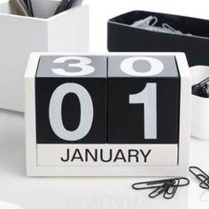 Calendario Tres Seis Cinco - coffee table