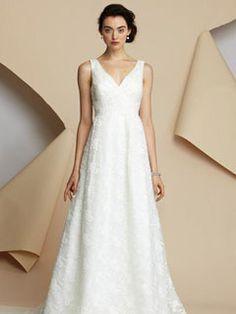 Magnifique A-ligne Col en V Longueur sol traine Dentelle Robe de mariée