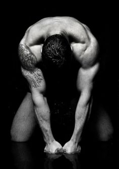 there's something about a man that stays in shape...<3 ^ that's called lust babe