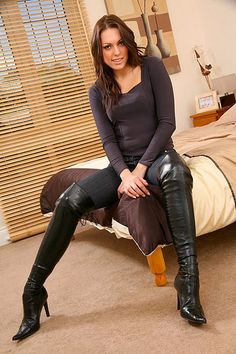 je-veux-porter-des-talons-hauts-bottes-a-talon-zone-haute-pression/ - The world's most private search engine Thigh High Boots Heels, Hot High Heels, Heeled Boots, High Leather Boots, Sexy Boots, Black High Boots, Looks Cool, Sexy Outfits, Fashion Boots