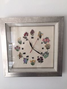 Embrodery-embroidered clock in Brazil, # Embroidery Stitches Tutorial, Crewel Embroidery, Ribbon Embroidery, Embroidery Designs, Diy Clock, Brazilian Embroidery, Needle And Thread, Sewing Tutorials, Cross Stitch Patterns