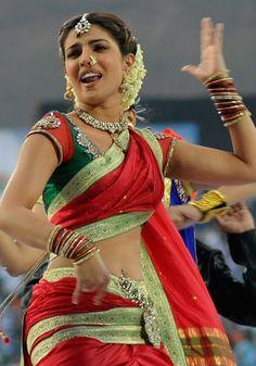 Priyanka Chopra Marathi Saree in Bajirao Mastani Movie - Latest New Look in Kaashtha Marathi Sari Priyanka Chopra Saree, Kashta Saree, Marathi Saree, Indian Actress Hot Pics, Indian Bollywood Actress, Beautiful Indian Actress, Indian Actresses, Nauvari Saree, Saree Navel