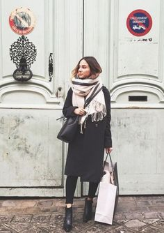 how parisians wear scarves - Google Search