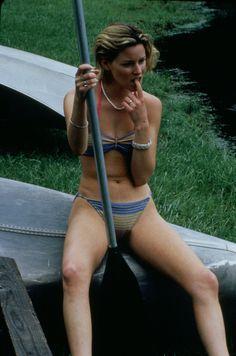 Celebs — Elizabeth Banks Sexy Women, Fit Women, Walk Of Shame, Elizabeth Banks, Female Actresses, Beach Girls, Sport Girl, Sensual, Sports Women