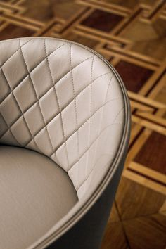 Hug Armchair by Bross | Visitors chairs / Side chairs | Architonic