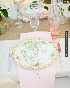 vintage wedding decor | CHECK OUT MORE IDEAS AT WEDDINGPINS.NET | #wedding