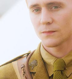 Tom Hiddleston in War Horse