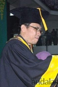 Rektor Unimed Prof Ibnu Hajar