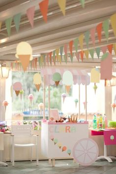 Throw this ice cream cart birthday party for a boy or girl by @sweetlittlepnut -- so cute for summer!