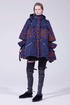 The complete Sacai Pre-Fall 2018 fashion show now on Vogue Runway. The complete Sacai Pre-Fall 2018 fashion show now on Autumn Fashion 2018, Fall Fashion Trends, Fashion News, High Fashion, Fashion Show, Fashion Outfits, Womens Fashion, Fashion Design, Workwear Fashion