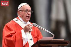 """Dans un communiqué, le pape François """"condamne de la manière la plus radicale"""" l'attaque dans une église à Saint-Etienne-du-Rouvray,…"""