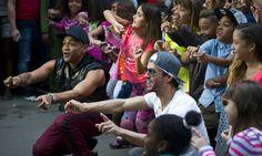 Así suena 'Súbeme la radio', el nuevo éxito de Enrique Iglesias