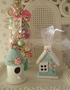 DIY::Birdhouse ornaments  make bird houses into gingerbread glitter houses!
