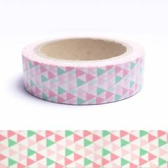 Masking tape triangles verts, roses et blancs