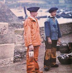 Good morning , Finistère 1911 ! #menswearlesson #vintagearchives #workwearinspiration #vintagepic #frenchworkwear #frenchvintage #frenchantique #sailor #wabisabi #brutclothing #menswear #menfashion #vintageinspiration