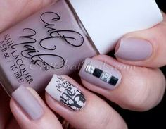 Chit chat nails