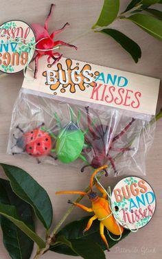 Bugs & Kisses Valentine Printable Title #print #valentine