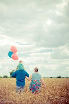 Une belle photo en famille ! Partagez vos plus beaux moments de complicité entre parents et enfants sur nosdelicieuxmoments.fr : Et qui sait, vos plus beaux moments de complicité seront peut-être le moment magique de notre prochain film !